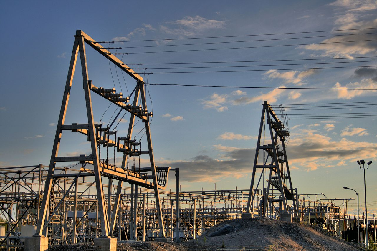 1280px-NCPC_Power_Plant_Yellowknife_Northwest_Territories_Canada_08