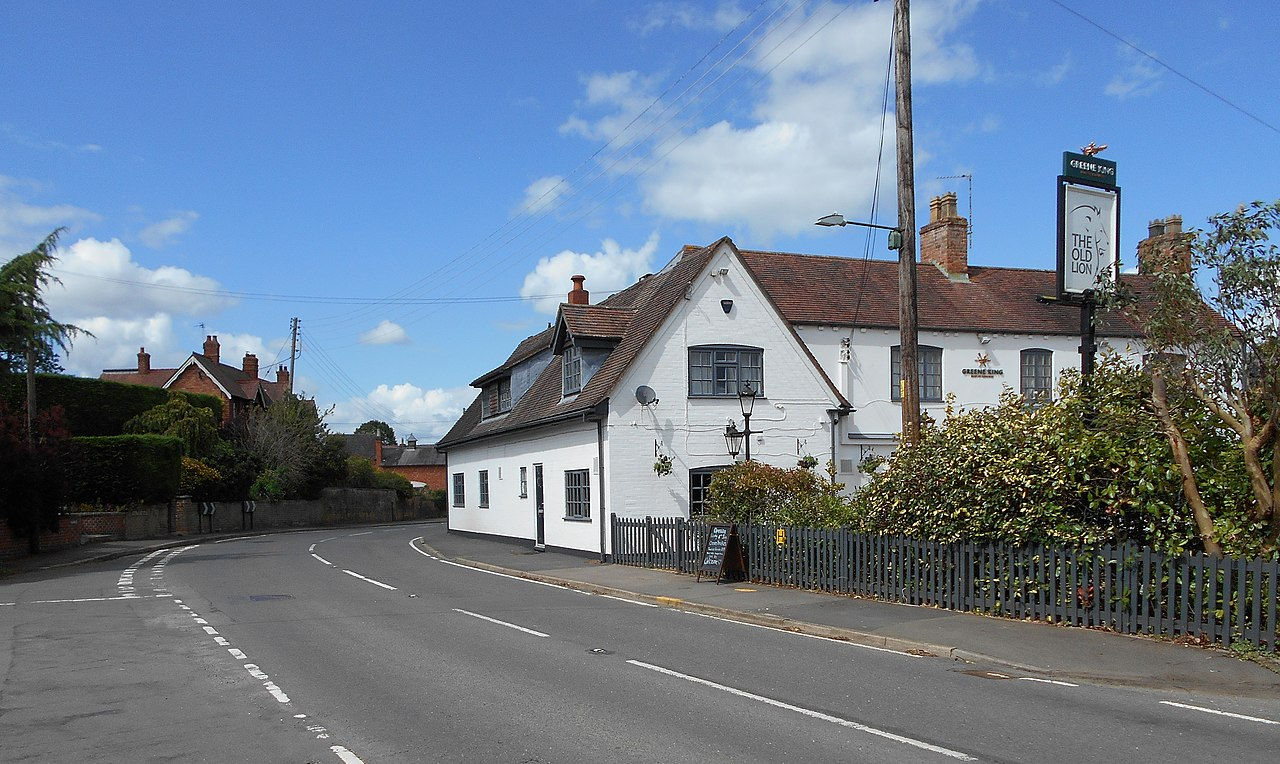 1280px-The_Old_Lion,_Harborough_Magna_7.20